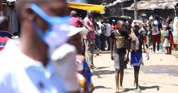 Güney Afrika Cumhuriyeti'nde günlük Kovid-19 vaka sayısı azalıyor
