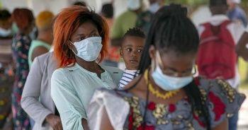 Güney Afrika'da 27 bin sağlık çalışanı Kovid-19'a yakalandı