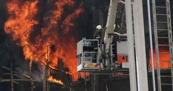 Hindistan'da Kovid-19 hastanesinde çıkan yangında 8 kişi öldü