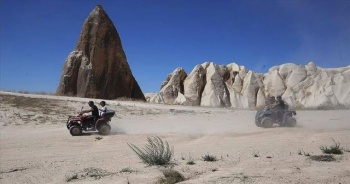 Kapadokya pandemi sürecinde günübirlikçi yerli turistleri ağırlıyor