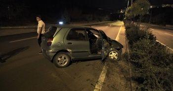 Tartıştığı erkek arkadaşı direksiyonu kırınca kaza yaptılar
