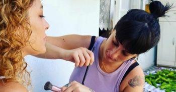 Ünlü sanatçı anne evinde makyaj keyfini böyle paylaştı