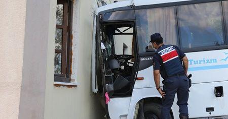 8 askerin yaralandığı kaza sonrası vatandaşlar isyan etti