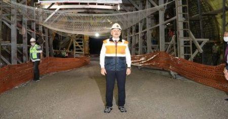 Bakan Karaismailoğlu Honaz Tüneli'nde incelemelerde bulundu