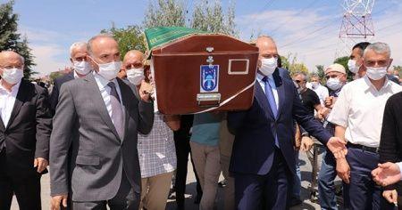 Bakan Soylu, Düzce Belediye Başkanı Faruk Özlü'yü acı gününde yalnız bırakmadı