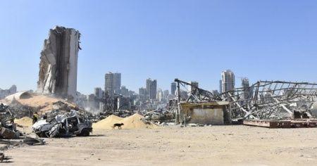 Beyrut'ta şiddetli patlamanın etkili olduğu bölgelerde hırsızlık olayları başladı