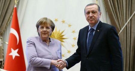 Cumhurbaşkanı Erdoğan, Almanya Başbakanı Angela Merkel ile telefon görüşmesi gerçekleştirdi