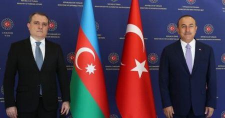 Dışişleri Bakanı Mevlüt Çavuşoğlu, Azerbaycan Dışişleri Bakanı Ceyhun Bayramov ile ortak basın toplantısı düzenliyor