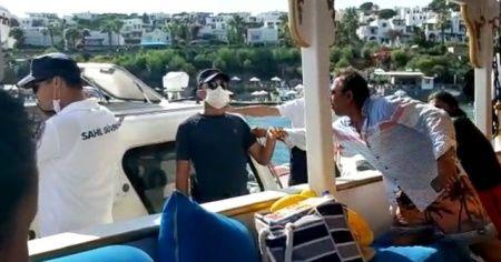 Fazla yolcu alan tekneye Sahil Güvenlik ekipleri müdahale etti