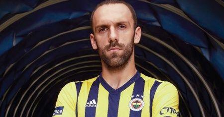 Fenerbahçe'de yeni sezon formaları satışa sunuldu
