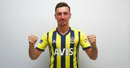 Fenerbahçe, Mert Hakan Yandaş'ı kadrosuna kattı