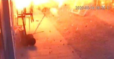 Gaz kaçağından habersiz ocağı yakmaya çalışınca ortalık savaş alanına döndü