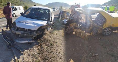 Gaziantep'te 2 otomobil kafa kafa çarpıştı: 11 yaralı