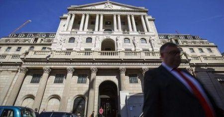 İngiltere Merkez Bankası politika faizini sabit tuttu