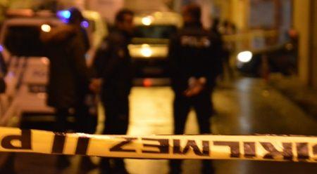 İstanbul'da park halindeki araç alev aldı