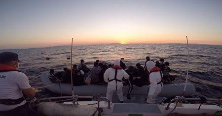 İzmir'de 41 sığınmacı kurtarıldı