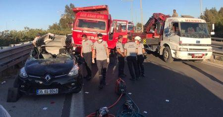 İzmir'de feci kaza: 1 ölü, 3 yaralı