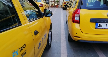 İzmir'de taksilerin kilometre ücreti 4.30 TL'ye yükseltildi