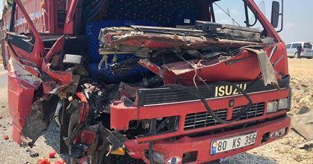 Kadirli-Ceyhan yolunda kaza: 1'i ağır 2 yaralı