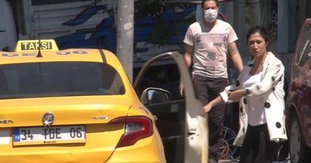 Koronavirüs denetimine tepki gösterdi, maskesini atarak taksiye bindi
