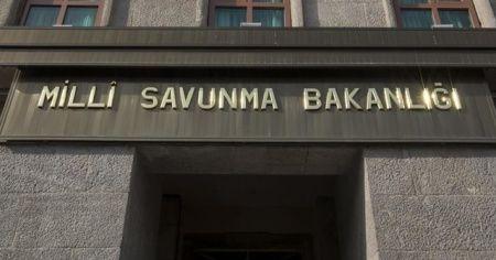"""MSB: """"Ege Deniz Bölge Komutanlığı kışlasındaki yangın tamamen kontrol altına alındı"""""""