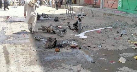 Pakistan'da bombalı saldırı: 5 ölü, 14 yaralı
