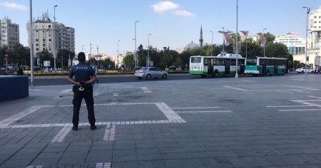 Polis ekipleri vatandaşları megafonla uyardı