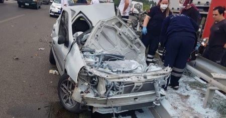 Refüje çarptıktan sonra otobüsün 60 metre sürüklediği otomobilin sürücüsü hayatını kaybetti