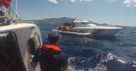 Sahil Güvenlik Komutanlığı: Yunanistan tarafından ateş açıldığı iddia edilen tekne içerisindeki 3 şahıs kurtarılmıştır