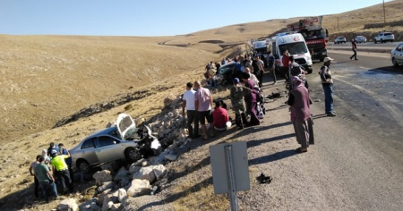 Sivas'ta trafik kazası 1'i ağır 4 yaralı