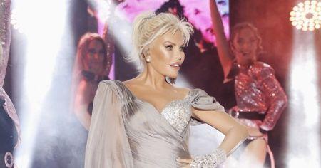 Süperstar Ajda Pekkan üç saat sahnede kaldı
