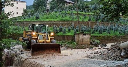 Trabzon'da sel ve heyelanların ardından çalışmalar devam ediyor