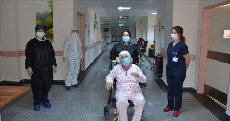 Türkiye'de koronavirüsten bugün 14 kişi hayatını kaybetti