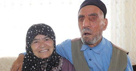 Yüzünü hiç göremediği eşinin sesine aşık oldu, 58 yıllık birliktelikleri kitap oluyor
