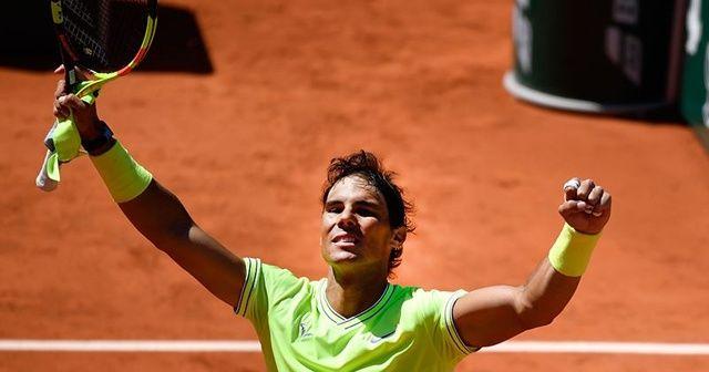 Fransa Açık'ta Nadal ile Thiem üçüncü turda