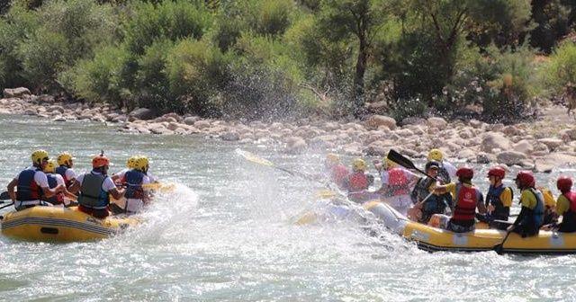 Hakkari'nin Zap Deresi'nde rafting heyecanı