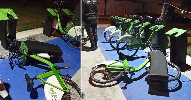 Magandalar geçen hafta hizmete giren akıllı bisikletlere saldırdı