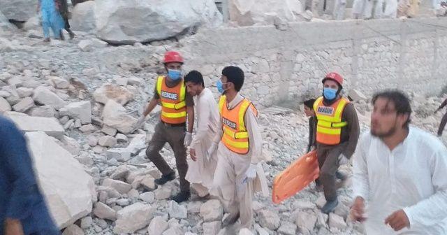 Pakistan'da mermer madeni çöktü: 11 ölü, 5 yaralı