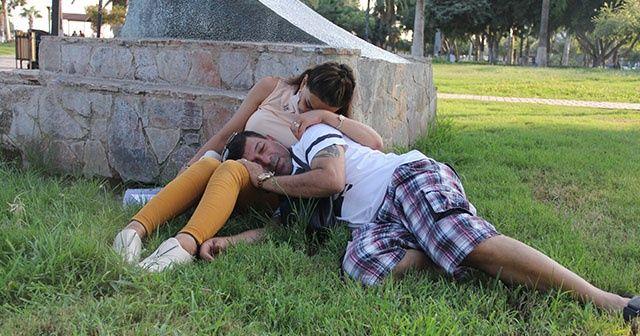 Parkta uyuyakaldılar, düğün paralarını çaldırdılar