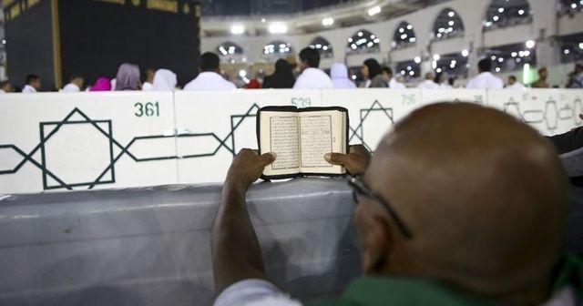 Suudi Arabistan umre ziyaretlerini kademeli olarak başlatmaya hazırlanıyor