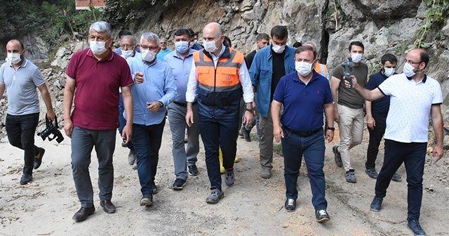 Ulaştırma ve Altyapı Bakanı Karaismailoğlu, selden etkilenen Espiye'de incelemelerde bulundu