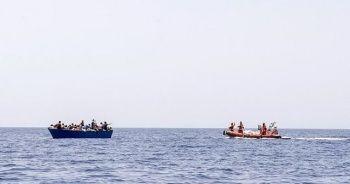 Akdeniz'de düzensiz göçmenleri taşıyan lastik botun batması sonucu 24 kişi öldü