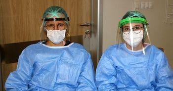 Covid-19'la mücadelenin fedakar savaşçıları: Sağlık çalışanları