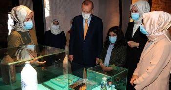Cumhurbaşkanı Erdoğan'dan 'Böyle Daha Güzelsin' sergisi paylaşımı