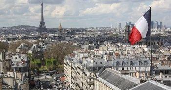 Fransa'da sağcı vekiller başörtülü öğrencinin bulunduğu parlamento toplantısını terk etti