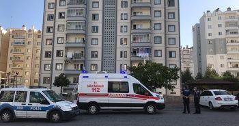 Genç şahıs apartman boşluğunda kendini asarak intihar etti