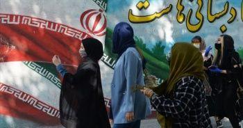 İran'da son 24 saatte 184 kişi Kovid-19'dan hayatını kaybetti