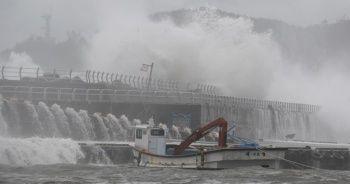 Japonya'yı vuran Haishen Tayfunu Güney Kore'ye ulaştı