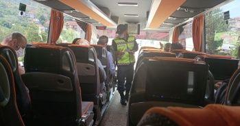 Otobüste yakalandılar yurtta karantinaya alındılar