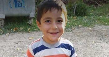 Seyir halindeki minibüsün önüne atlayan çocuk hayatını kaybetti